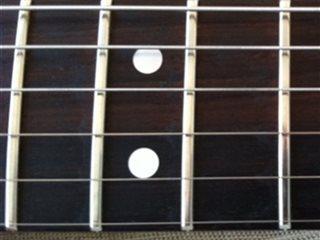Gitarist søker spilleoppdrag og band.